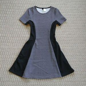 Sexy H&M Black & White Mini Skater Dress Sz 4